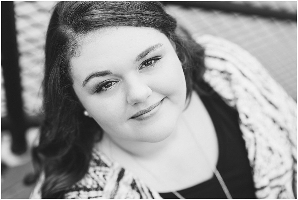 Beautiful senior portrait by Blink of an Eye Photography in black and white.
