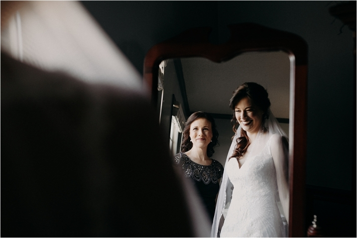 Bride with Mom before wedding at Rosa Lee Manor