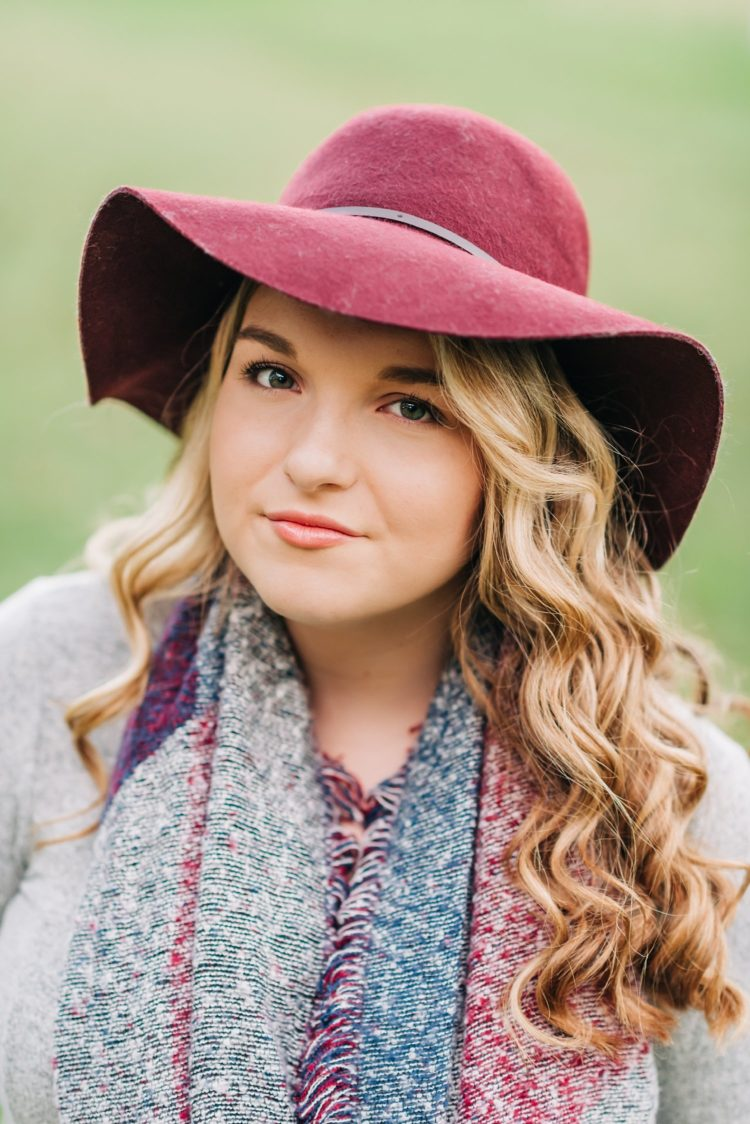 Gorgeous, country senior session featuring lovely floppy hat.